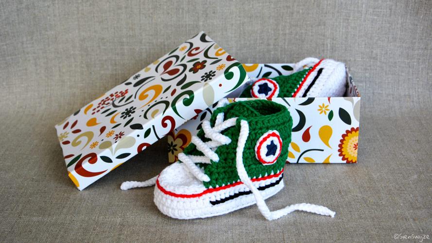 Gehaakte baby sneakers groen